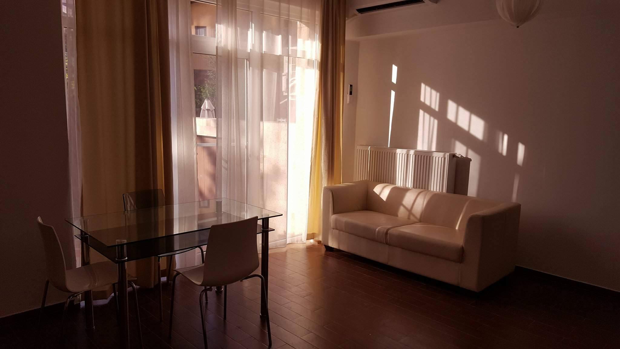 Iancu Nicolae, Jolie Vile, Apartament 2 camere